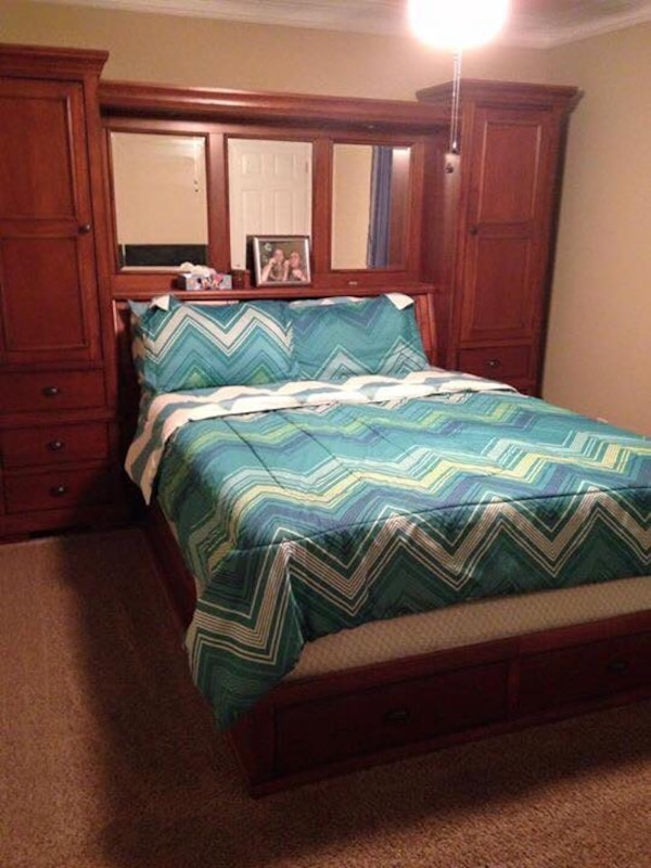 Used Queen Size Haverty S Wall Bed For Sale In Canton Letgo