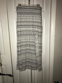American eagle maxi skirt with a slit in the front/side - Large