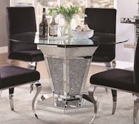 Mirrored dining table (no chairs ) Victorville, 92395