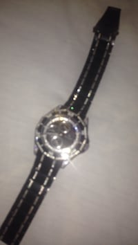round silver analog watch with link bracelet Moncton, E1G 1K9