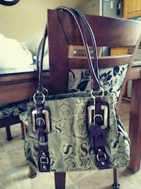 Nice Purse Pick Up Only Gatineau, J9J 2J2