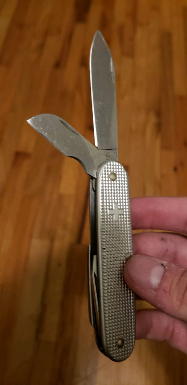 Swiss army knife, little stiff. $20 obo efc8e313-e442-46f4-b3a5-41e36e6513d6