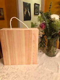 Beautiful wooden wine box - 3 bottles Palo Alto, 94301