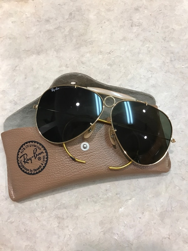 d9d0cb24fd251 Used gold frame ray-ban aviator sunglasses for sale in Victoria - letgo