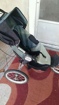 Jogging stroller St. Catharines, L2T 1P3