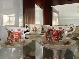 White & red rose printed ceramic teacup set