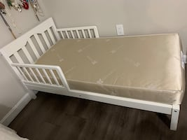 White toddler bed with mattress-like brand new