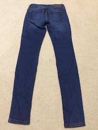 Guess jeans size 23 girls null, V9R 6X1