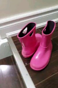 Girls Uggs boots Mississauga, L5M 0N2