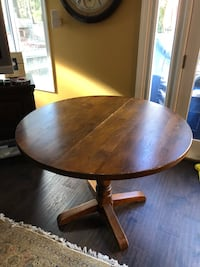 Oak dining table Bethesda, 20814