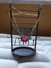 black metal jewelry stand Coquitlam