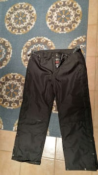 black pants Shawinigan, G9N 0A2