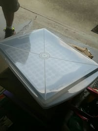 Two lock lid travel trays, 15 each Middleburg Heights, 44130
