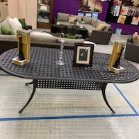 Outdoor dining table new Moreno Valley, 92557