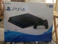 Ps4 1 TB, 2 games, and 2 controllers Tucson, 85746
