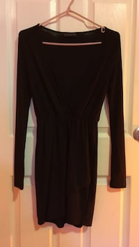 black scoop-neck long-sleeved dress Brampton, L6S 3G8