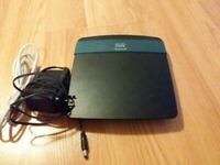 Linksys EA2700 dual band router Calgary, T3M 2G4