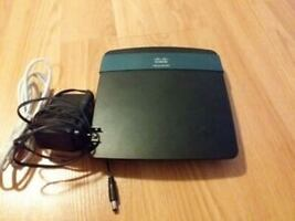Linksys EA2700 dual band router.