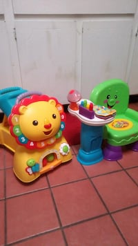baby's assorted-color plastic toys 542 mi