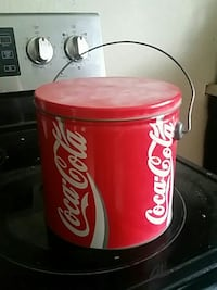 Coca-Cola pail with lid Mitchell, N0K 1N0