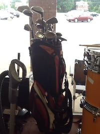 Wilson golf club bag with Taylor made golf clubs  Hagerstown, 21740