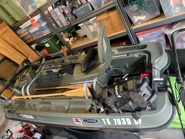 Pelican Bass Raider 8 Plus Battery Trolling Motor And A Ton Of Accessories All Retails For 1500