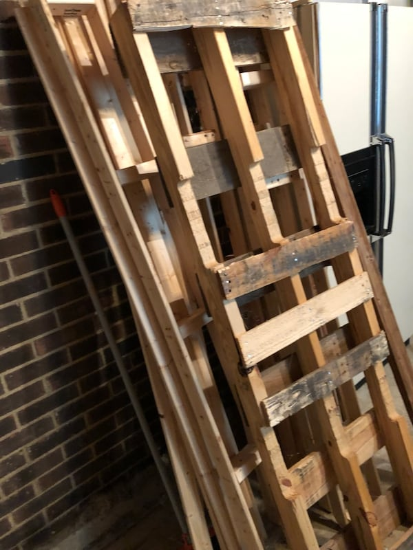 Free wood boards. About 6-7 feet long 2d3e960c-3d15-4eac-afa3-7cf1bac72bf9