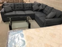 Brand new large charcoal fabric sectional sofa with reversible facing on sale  多伦多