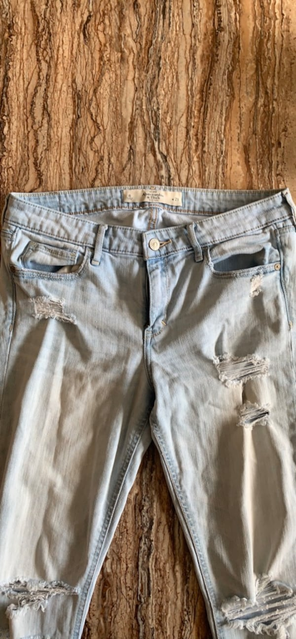 Abercombie & Fitch jeans size 8 2