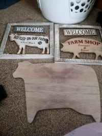 Wall decor and cow heavy duty cutting board all new Omaha, 68104