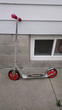 Adult size scooter  Mississauga, L5E 1L6