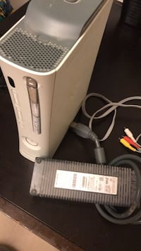 Xbox 360 - comes with everything & works good. Plus Xbox Kinect Burnaby, V5E 2R9