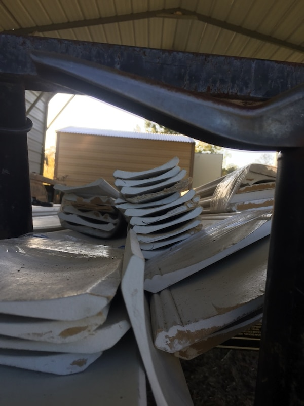 Used 16 Ft Crown Molding Between 15 20 48 55 At Lowes 50 Off