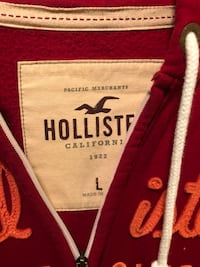Hollister Hoodies Red Large  6 km