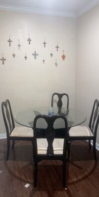 dining room table and chairs Edmond, 73034