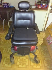 black leather padded rolling armchair Buffalo, 14202