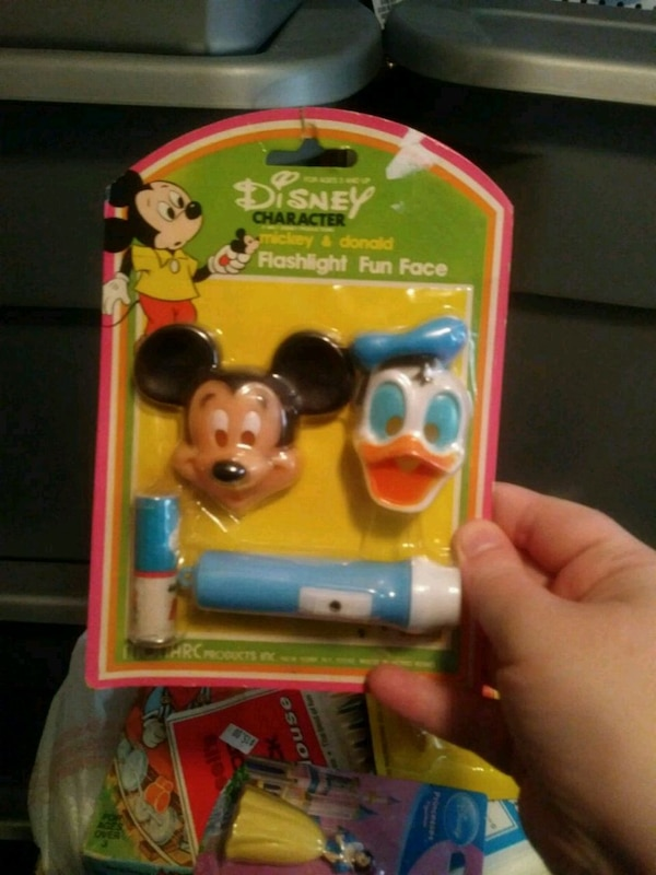 Disney Mickey and Donald flashlight fun face bbeb0ca7-510c-4101-9c25-463aa2ab07db