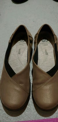 Clarks golden flat shies London, N6G 3B2