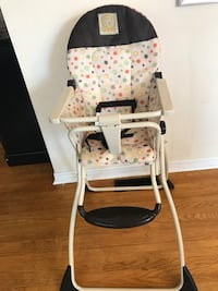 High chair Mississauga, L5B 4L4