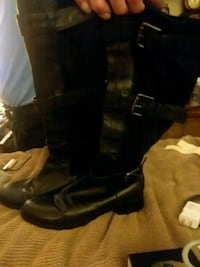 pair of black leather boots San Diego, 92104