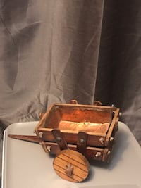 Small vintage wooden cart/wagon