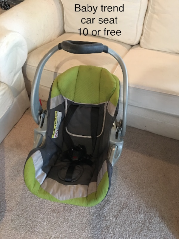 Babys Gray And Green Graco Car Seat Carrier