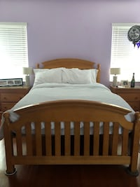 FULL SIZE SOLID WOOD BED