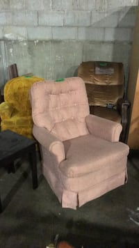 Lounge chairs  Fort Erie, L2A 2L9