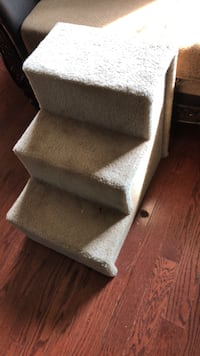 doggie stairs tan color easy to move Baltimore, 21206
