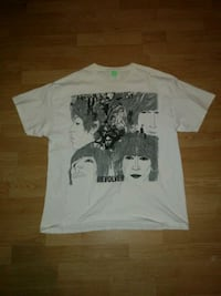 white and black crew-neck t-shirt Waterloo, N2J 2W1