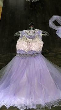 Light purple size 0 grade 8 grad dress  Cambridge, N1R 5S2