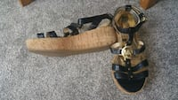 Michael kors sandals size 7 good condition  Calgary, T3J 2T2