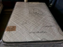 Brand new orthopedic organic Queen mattress and matching box spring se
