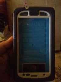 blue and white OtterBox smartphone case Terrace, V8G